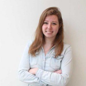 Dit is Annick Kortekaas. Zij weet alles van vormgeving en kleur en heeft bovendien oog voor de psychologie achter de vormgeving. Annick heeft de huisstijl van de Mr.WerkenPodcast verzorgd!